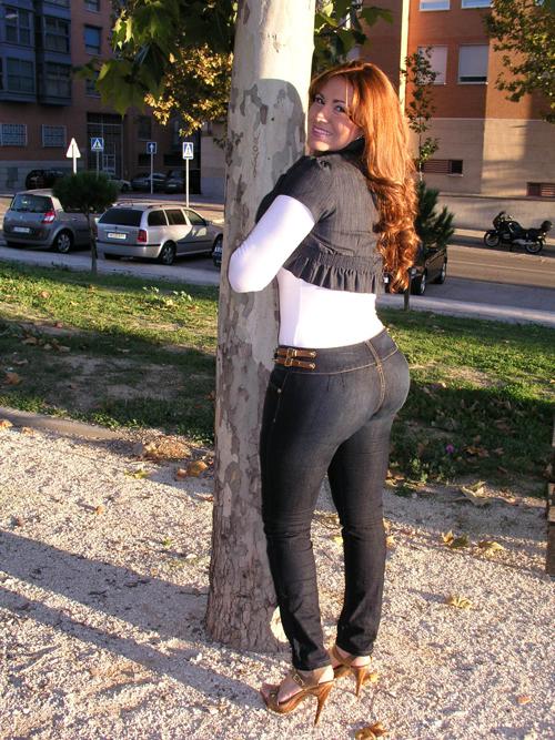 Culona en jeans sin bolsas - 3 part 4