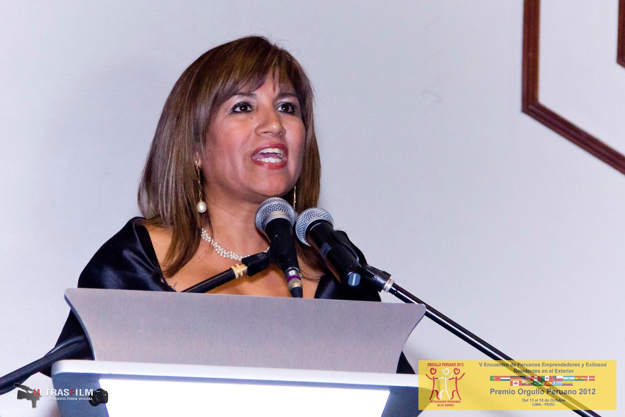 Rosario alc ntara de la empresa mensajer a de charo for Lista de empresas en lima