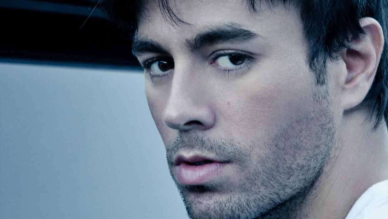"""Enrique Iglesias se consagra como el rey de la música latina con """"Duele el corazón"""""""