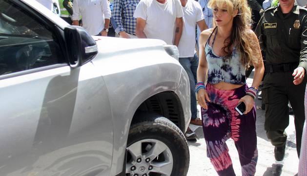 Shakira ahora habla con acento español y sus fans colombianos encienden las redes sociales