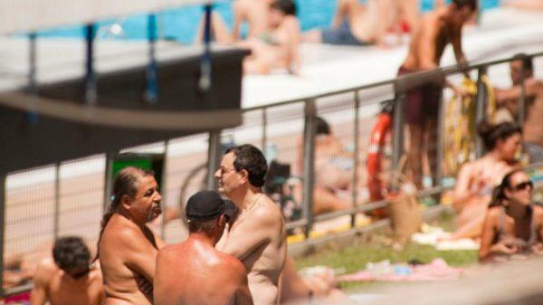 Podemos ir en pelotas a las piscinas de Madrid