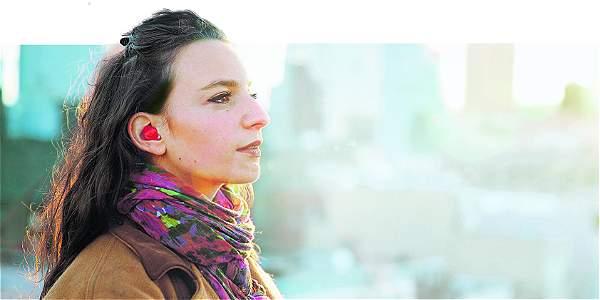 Ya puedes hablar cinco idiomas con un invento llamado Piltot