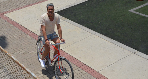 Indignación por recompensa de 3.000 euros por bicicleta de Carlos Vives