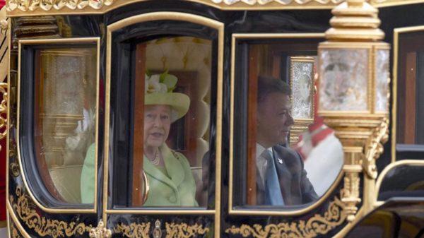 Juan Manuel Santos se codea con la realeza en Londres