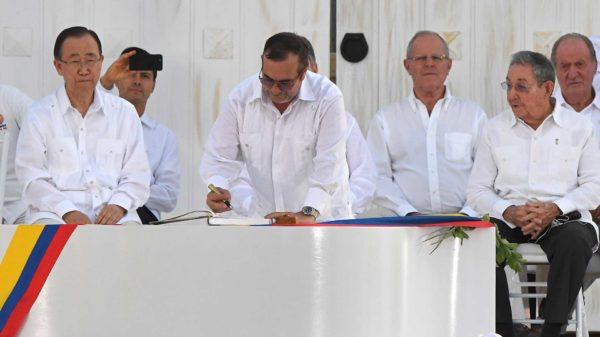 Gobierno colombiano y guerrilla logran un nuevo acuerdo de paz