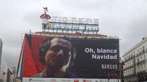 Colombianos en España indignados con polémica valla de Netflix en el corazón de Madrid