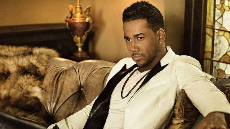 """Romeo Santos recibe disco Multi-Diamante de la RIAA por """"Propuesta indecente"""""""