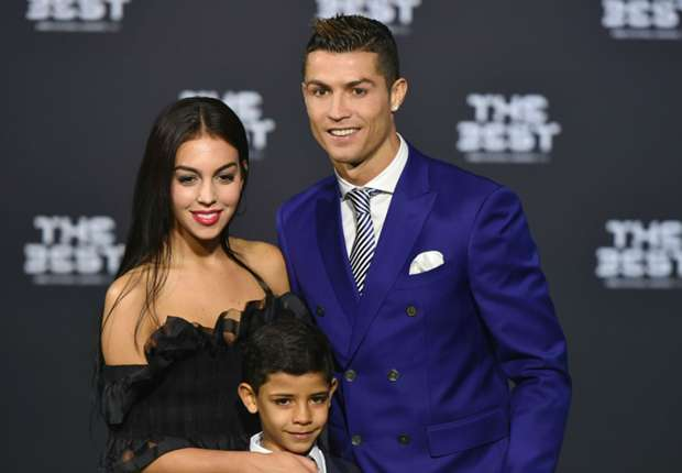 Cristiano Ronaldo oficializa su relación con la guapa Georgina Rodríguez