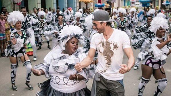 """Enrique Iglesias estrena a nivel mundial su nuevo éxito """"Súbeme la radio"""""""