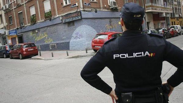 Detenido un peruano en Madrid por masturbarse en plena calle y eyacular sobre un policía