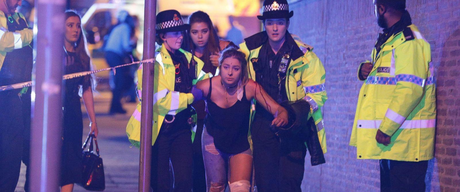"""Ariana Grande destrozada y """"sin palabras"""" tras el atentado en Manchester"""