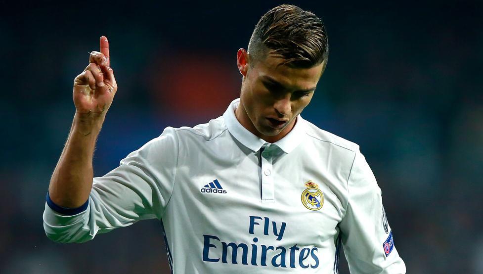 Gracias a un vientre de alquiler Cristiano Ronaldo es padre de mellizos