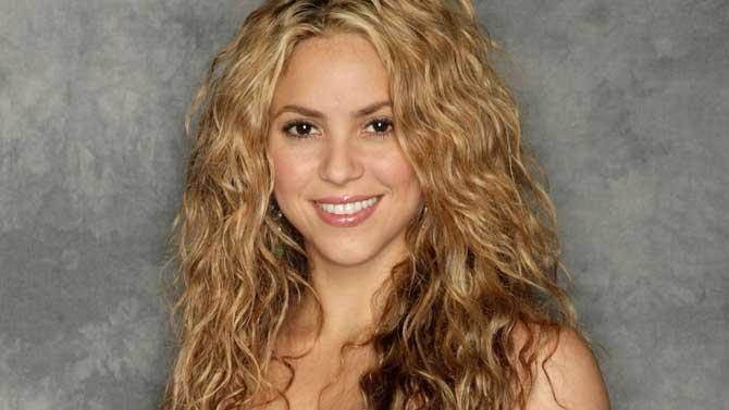 Shakira gana al día 130.000 euros