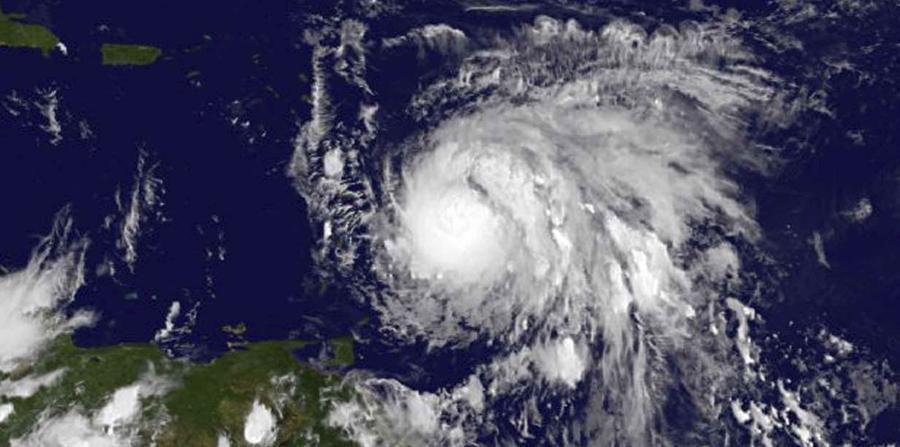 """María """"devasta"""" a Dominica y su gobierno pide ayuda"""