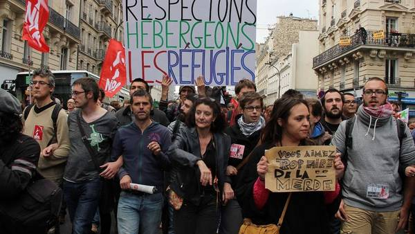 Francia expulsará a los inmigrantes ilegales que comentan algún delito