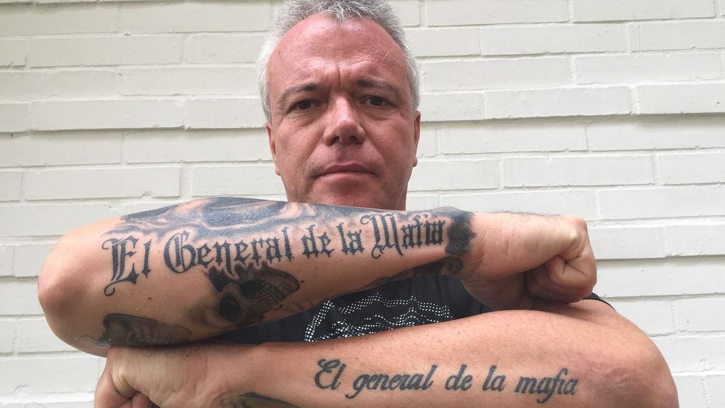 El asesino de cientos de colombianos ahora vende camisetas en Internet