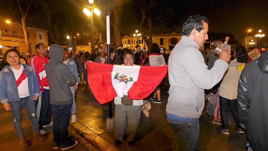 peruanos al mundial3