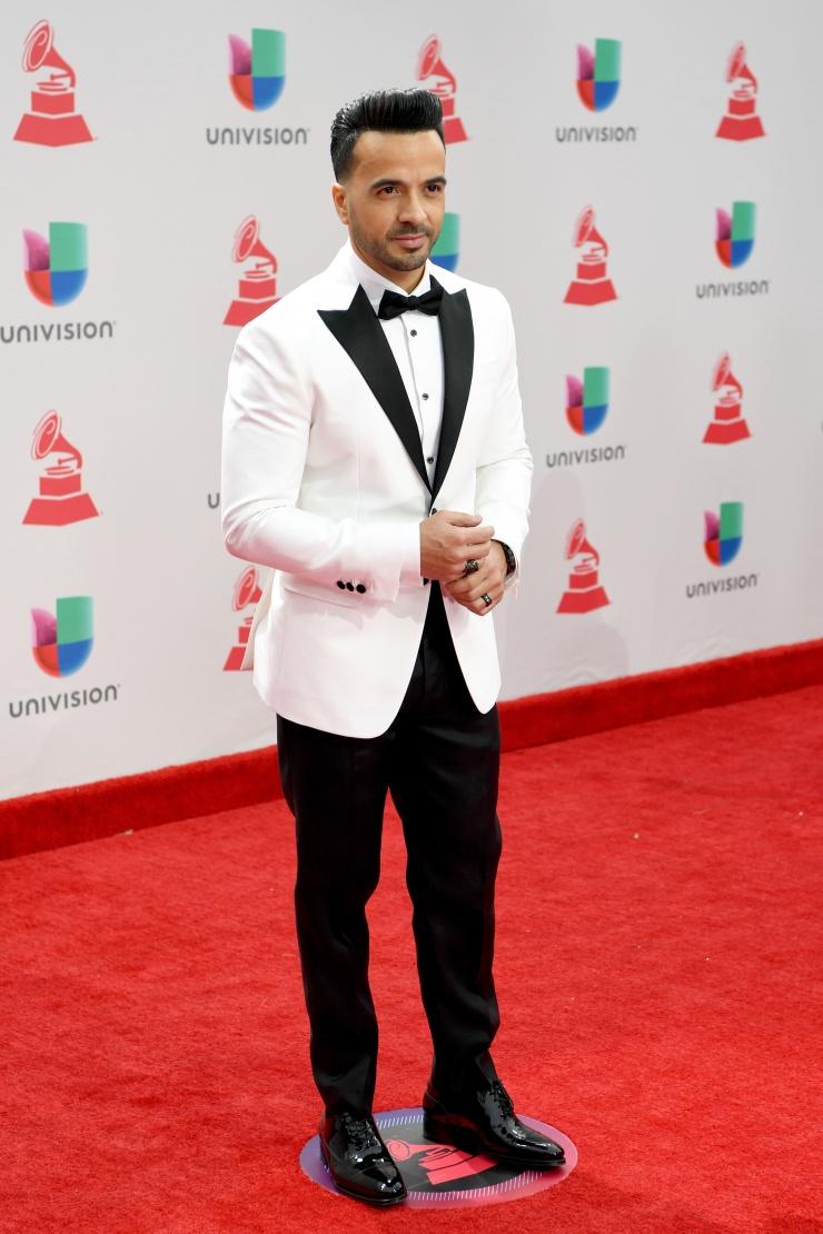 """Luis Fonsi con """"Despacito"""" triunfó en los Grammy Latinos"""