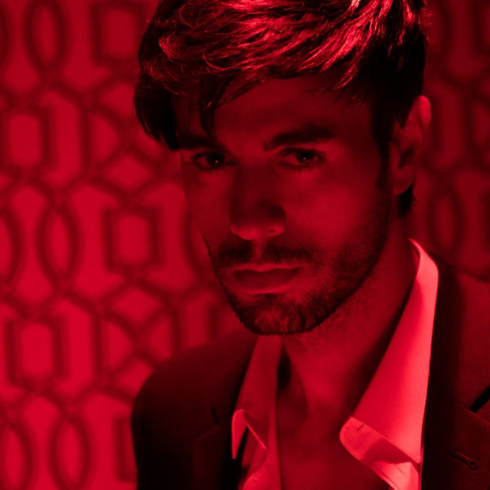 Enrique Iglesias demanda a Universal Music