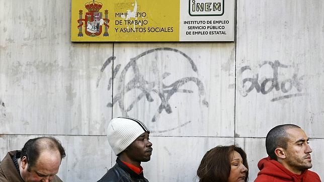 España necesita 5,5 millones de inmigrantes para poder pagar las pensiones en los próximos años