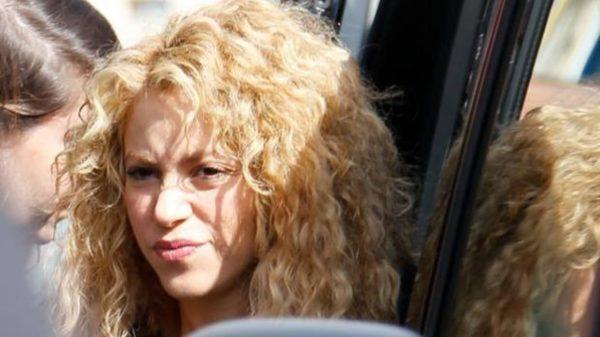 "A Shakira la acusan de ""vendida"" por hablar en inglés"