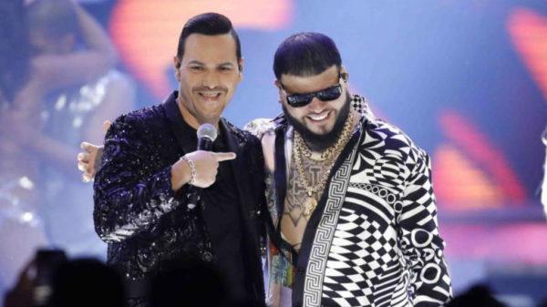 """Víctor Manuelle y Farruko con 'Amarte duro': """"Esto que yo siento es puro como la coca e' Medallo y no soy Pablo, pero tú sabe' lo que te hablo"""""""