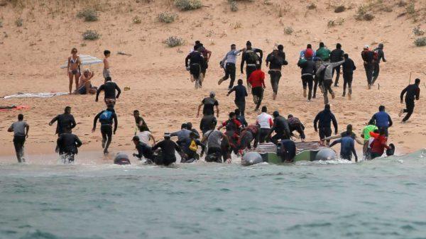 Pedro Sánchez pide ayuda a la Unión Europea ante la llegada masiva de inmigrantes