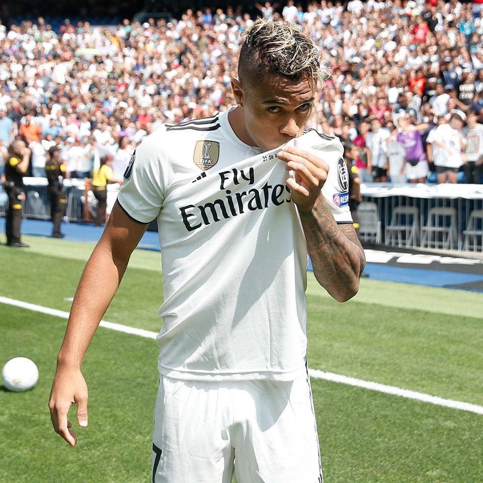 El dominicano Mariano ya besa la camiseta del Real Madrid