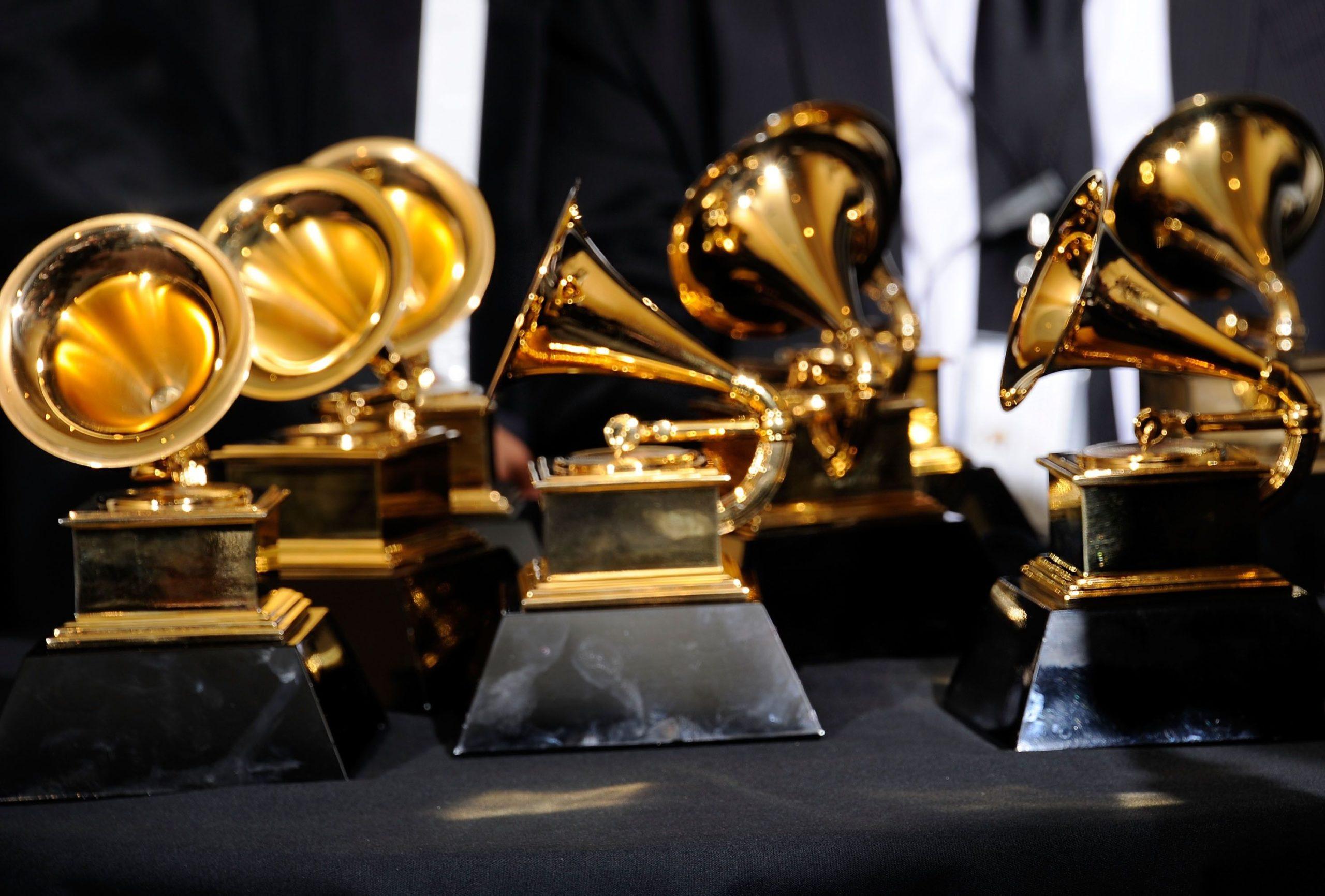 Las Vegas se prepara para los Grammy Latinos