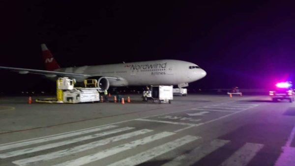 Avión ruso estacionado en Caracas 'sacaría 20 toneladas de oro'