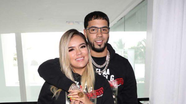Anuel AA y Karol G han sido víctimas de un robo en Chile mientras daban un concierto