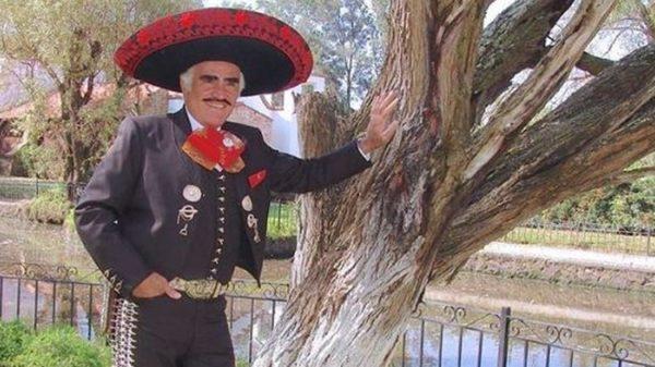 Vicente Fernández rechazó trasplante de hígado por temor a que fuera de un homosexual