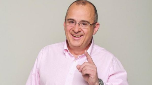Colombia llora la muerte del presentador de televisión Jota Mario Valencia