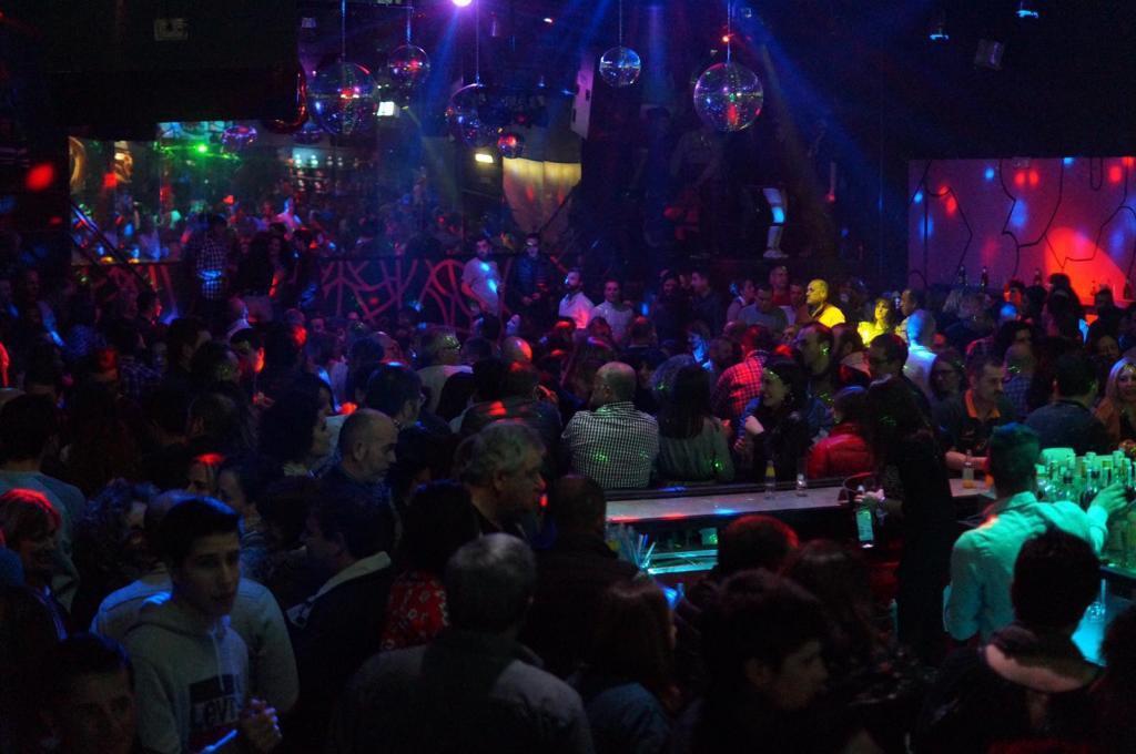 Desde este viernes la Comunidad de Madrid permitirá abrir bares de copas y discotecas